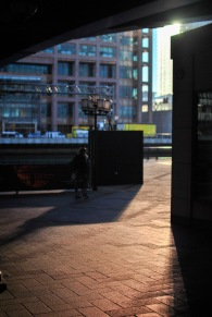 canary-wharf-winter-sun-stroll-53